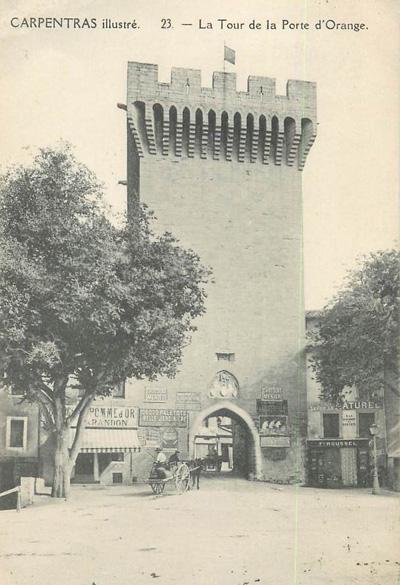 Photo ancienne de la porte d'Orange à Carpentras